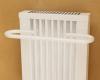 Afstand tussen de radiator en de voorzijde van de handdoekdroger: 10,0 cm. Breedte van de handdoekdroger: 50 cm