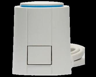 Aan de voorzijde zit een knop van het klikmechanisme van de afsluiter adapter. De thermische motor kan eenvoudig op een afsluiter adapter geklikt worden.