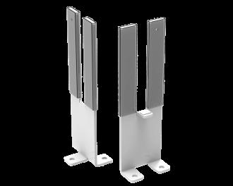 Roestvrijstalen standvoeten voor elektrische radiatoren. De standvoeten kunnen vastgeschroefd worden aan de vloer. De radiator kan op een vaste plek op de vloer geïnstalleerd worden, in plaats van aan de wand.